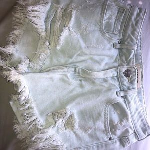 Bull head light wash denim shorts